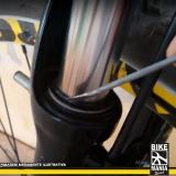 lubrificação de suspensão de bike de corrida